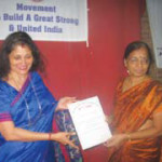 Mrs. Sucharita R. Hegde, Trustee and Managing Editor, OIOP, presented the OIOP Club Membership Certificate to the Vice Principal Mrs. Latha Bhandari