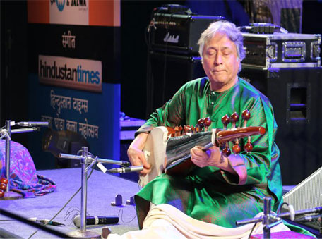 Ustad Amjad Ali Khan performs at Kala Ghoda