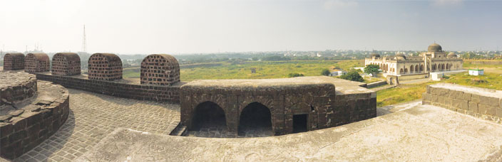 A view of Gulbarga Fort and Jami Masjid from Bala Hisar