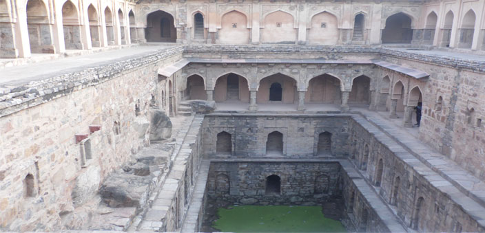 A view of the Rajon ki Baoli