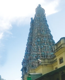 The stunning gopuram of the Meenakshi Temple